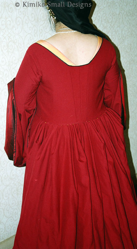 1530s Tudor Kirtle & Gown - Warderobe Accounts - www kimiko1 com